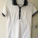 白いポロシャツ