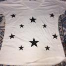 星柄VネックTシャツ