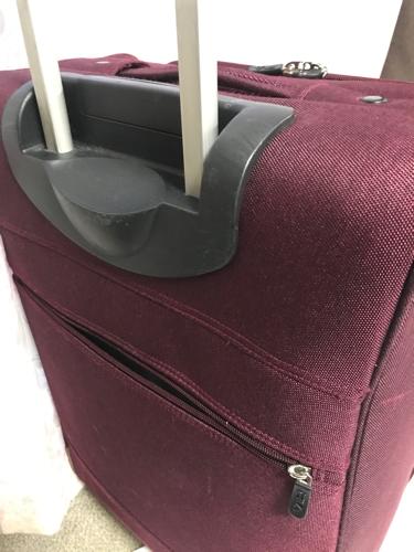 4b22264185 ジャンク品 スーツケース キャリーバッグ FILA フィラ ソフトケース ワインレッド - 豊中市