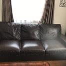 皮製のソファ