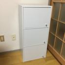 扉付き3段カラーボックス