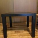 収納便利なテーブル