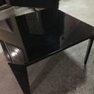 しっかりとした作りの折りたたみ机