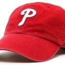 MLBフィリーズのキャップと Schwinn のTシャツと Osh...
