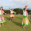 参加費無料ドリンクプレゼント! 絶景!高原の芝生広場で歌って踊ろうポピュラーソングフラダンス ゆるキャラ蓮花ちゃんグリーティングも開催 - 葛城市
