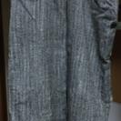 スカート灰色