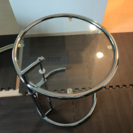アイリーン・グレイのサイドテーブル リプロダクト