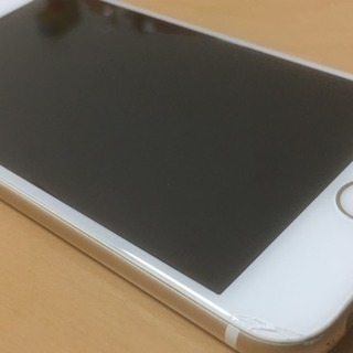 【iPhone6】auキャリア版 64GB 傷ありのため割安 ゴー...