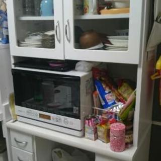 食器棚譲ります。