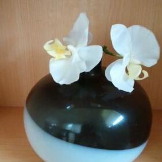 モノトーン花瓶