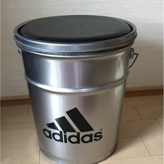 収納付き缶  adidas♬