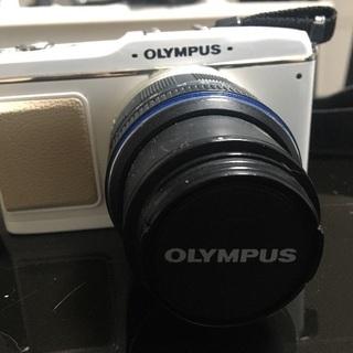 【レンズ付き!】OLYMPUSミラーレス一眼レフカメラ