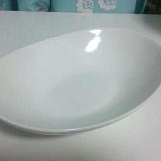 カレーやパスタに大きめのお皿