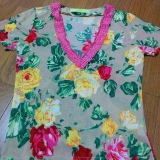夏物値下げ⤵️美品✨鮮やかな花柄 襟レース付きブラウス M