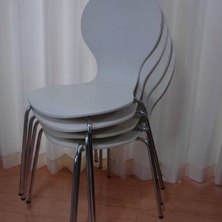 ニトリの椅子 4脚 差し上げます。