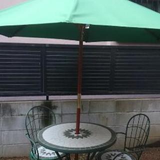 ガーデンテーブル:チェアセット パラソル付