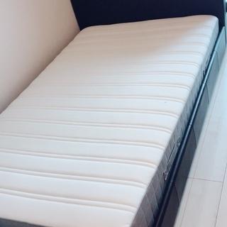 セミダブルベット(IKEA/ニトリ)