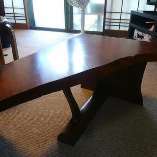 家具工房で特注した変形木製サイドテーブル
