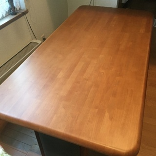 とても綺麗なダイニングテーブル
