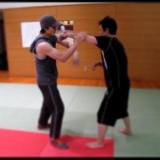 格闘技を始めてみたい!本気でダイエット!護身術!筋トレ!