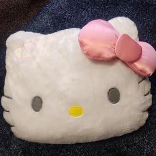 キティちゃんのクッション