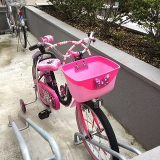 美品です!ミニーちゃんの可愛い自転車です💕