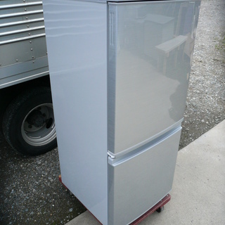 SHARP シャープ ノンフロン冷凍冷蔵庫 SJ-D14B-W 2...
