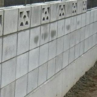 雑草刈り·ブロック工事·土間工事·墓石工事