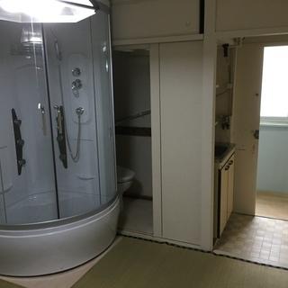 新品シャワールームとウォシュレット付き洋式トイレのついた1ルーム