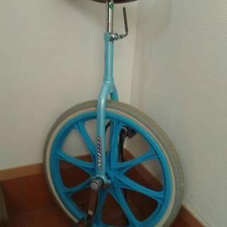 【美品】一輪車 スタンド付き 20インチ