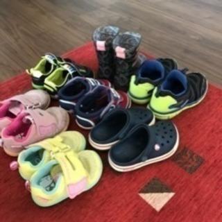靴、スニーカー