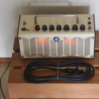 ヤマハギターアンプ(チューナー、エフェクター付き)本体とコード