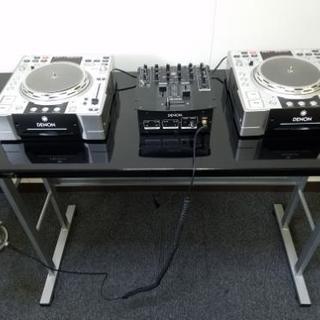 DJプレイ用テーブル【機材はサンプルです】