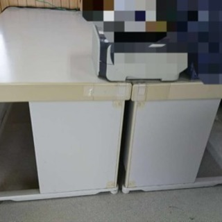 事務所用テーブル二つ!