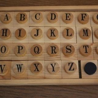 木製 アルファベット パズル