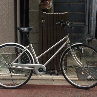 大人向けのシルバー自転車(中古)