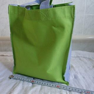 未使用 色使いが可愛い 布製バッグ