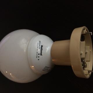 【終了】引っ掛けシーリング用スポットライト電球付き