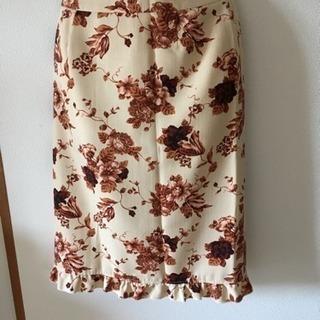 花柄オシャレなスカート(ブラウン)
