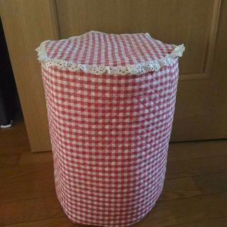 牛乳パックで作った椅子(使用感あり)