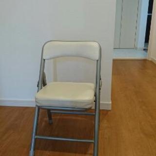 ミニパイプ椅子(白)