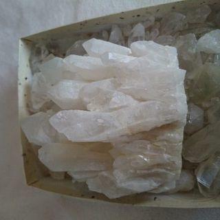 水晶の原石、クラスター