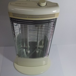 トヨトミ 赤外線ヒーター♪ 電気ストーブ  300