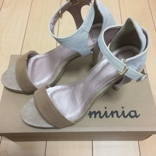 ◆新品未使用◆miniaサンダル Mサイズ◆定価5700円