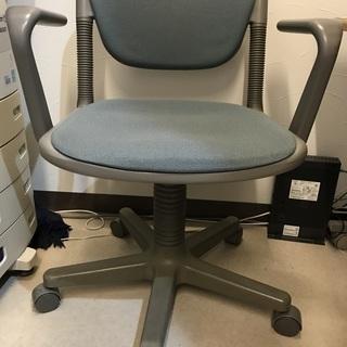 オフィス用 肘付き回転椅子  高さ調節可能