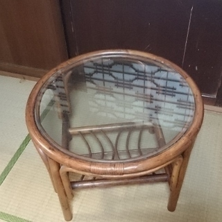 籐丸型テーブル