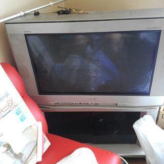 大型ブラウン管テレビ