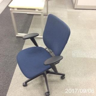 オフィス用椅子(4脚)※大幅値下げ ※定価¥79,700-の椅子