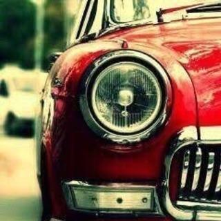 お車のヘッドライト磨きます。
