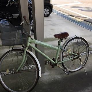 後輪パンクの自転車